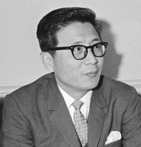Lee Tong Won 1965-5-16.png