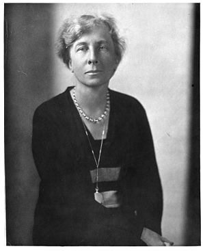 Lillian Moller Gilbreth - A photograph of Gilbreth distributed during the Great Depression