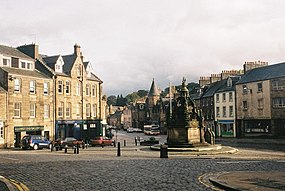 Linlithgow, town centre - geograph.org.uk - 480976.jpg
