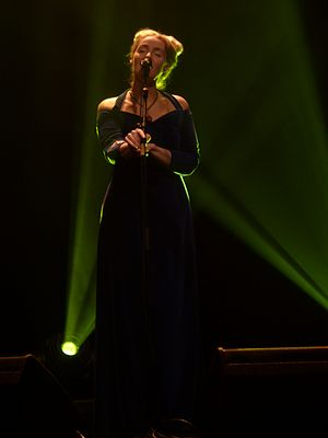 English: Lisa Gerrard - show at La Cigale - Pa...