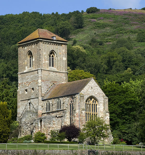 File:Little Malvern Priory Hills.jpg