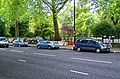 London - Bayswater Road - View SW on Sunday Art Fair along Hyde Park Fence.jpg