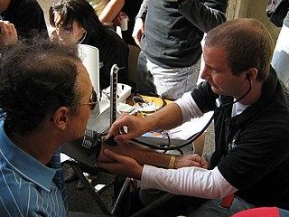 Blood pressure measurement technique for determining blood pressure