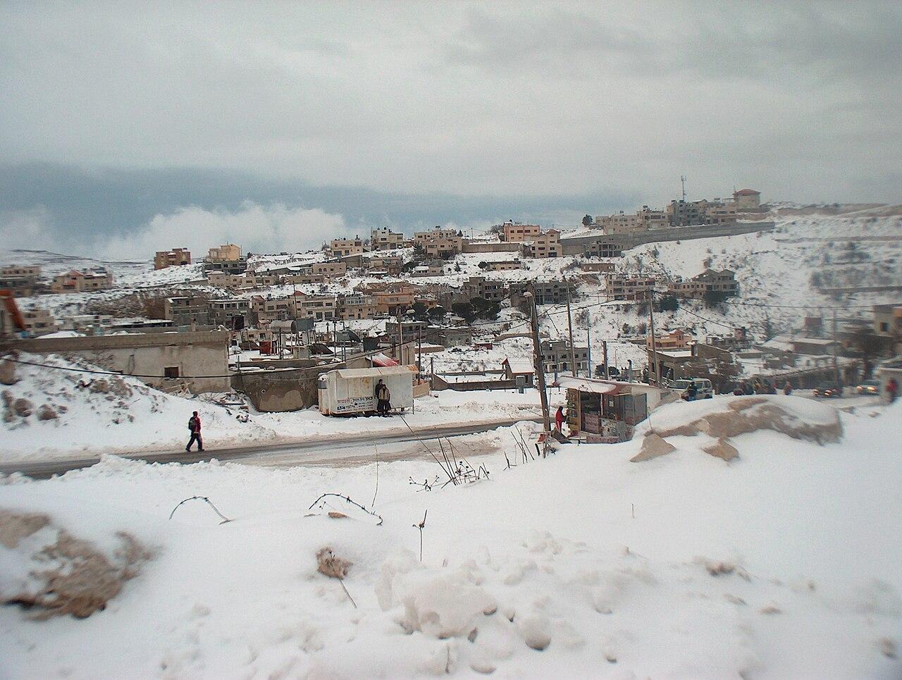 היישוב מג'דל שמס מכוסה שלג בחורף 2006