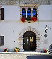 Malborghetto portale del palazzo Veneziano 07082009 71.jpg