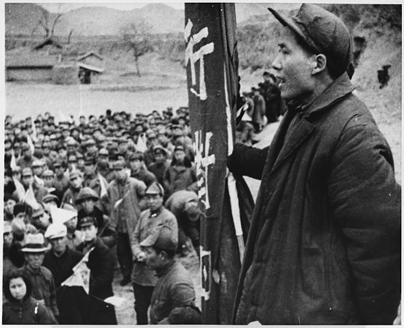 Mao Zedong addresses some of his followers at an unknown location
