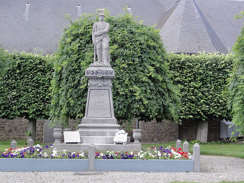 Marbaix (Nord, Fr) monument aux morts