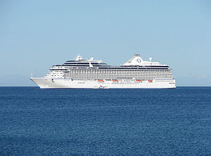 Ocean Cruises 'Marina' in Douglas Bay