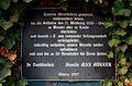 Max Müller Denkmal Mahnmal Kanone MM 1889 Gedenktafel der Familie von 1997 den Mitarbeitern und Soldaten des Zweiten Weltkrieges.jpg