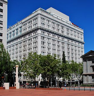Meier & Frank - The Meier & Frank Building, the company's longtime flagship store, in downtown Portland (in 2014)