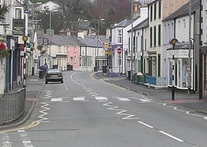 Menai Bridge - Image: Menai Bridge High street Jan 2005