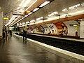 Metro Paris - Ligne 8 - station Bastille 02.jpg