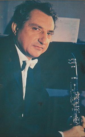 Milenko Stefanovic (with clarinet).jpg