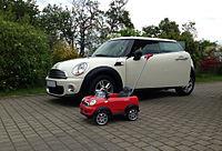 Mini (Modell und Original).JPG