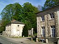 Mortefontaine (60), ancienne entrée du château.jpg