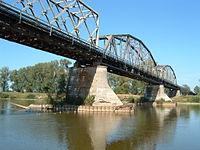Most kolejowy w Nisku.JPG