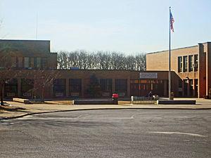 Miller Place High School - Image: Mphighschool 2