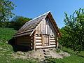 Muzeum dřevěného porculánu v Držkové - salašnická koliba.JPG