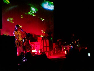 Shoegazing - My Bloody Valentine performing live in 2008