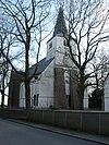 foto van Sint-Lambertuskerk: Hervormde Kerk - Eenbeukige dorpskerk met veelhoekig gesloten, door netgewelven overkluisd laat-gotisch koor