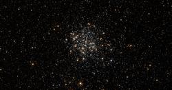 NGC 1854 HST 9891 56 ACS R814 G B555.png