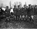 Narcyz Witczak-Witaczyński - Oficerowie i żołnierze Szwadronu Przybocznego Naczelnika Państwa na terenie koszar przy ulicy 29 Listopada (107-15-2).jpg