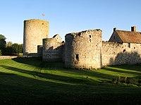 Nesles château 2.jpg