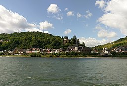 Niederheimbach vom Rhein aus gesehen. Landkreis Mainz-Bingen, Rheinland-Pfalz