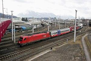 Salzburg Hauptbahnhof - Rolling highway train at Itzling.