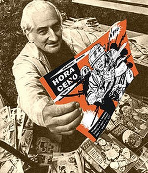 Hora Cero - Héctor Germán Oesterheld with various issues of Hora Cero.