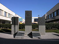 upload.wikimedia.org/wikipedia/commons/thumb/1/13/Organizacja_Olimp-pomnik1.JPG/200px-Organizacja_Olimp-pomnik1.JPG
