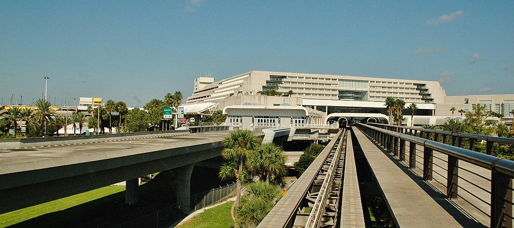 Orlando Airport - panoramio (1)