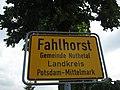 Ortseingang Fahlhorst - panoramio.jpg
