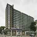 Overzicht met de ernaast gelegen winkels - Rotterdam - 20389427 - RCE.jpg