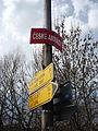 Označení ulice vedle lávky.JPG