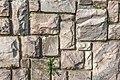 Pörtschach Halbinsel Hans-Pruscha-Weg 5 Stützmauer aus Töschlinger Marmor 25112020 0217.jpg