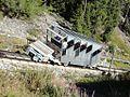 Parc d'Attractions du Châtelard, Schweiz. Historische Standseilbahn mit Ballastwagen unterwegs.jpg