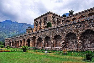 "Aandhi - ""Tum Aa Gaye Ho"" was shot around Pari Mahal gardens, Srinagar."