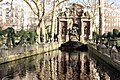 Paris - Fontaine Médicis (38686242890).jpg