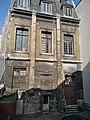 Paris 2 - hôtel de Nevers (façade et cour depuis la rue Colbert).jpg