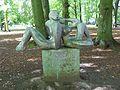 Park Oliwski – rzeźba Odpoczynek.JPG