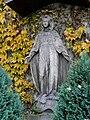 Passau Votivkirche Vorplatz Marienfigur.jpg