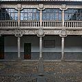 Patio principal del Palacio de Polentinos, Ávila.jpg