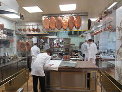 Paul bocuse wikip dia - Cours de cuisine lyon bocuse ...