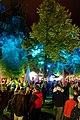 Pause unter illuminierten Bäumen. 02.jpg