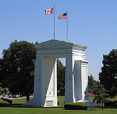 Peace Arch, U.S.-Canada border.jpg