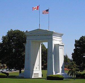 Canada–United States border - The Peace Arch at the border between Surrey, British Columbia, and Blaine, Washington State