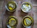 Petits pots de chèvres aux herbes de Provence et à l'huile d'olive.jpg