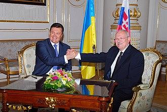 Slovakia–Ukraine relations - Former Presidents Victor Yanukovych of Ukraine and Ivan Gašparovič of Slovakia in 2011
