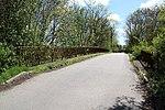 Pont du chemin vicinal 2 au-dessus de la voie expérimentale de l'Aérotrain le 1er mai 2012 à Limours.jpg